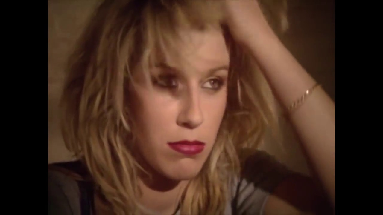 Bananarama - Na Na Hey Hey Kiss Him Goodbye (OFFICIAL MUSIC VIDEO)