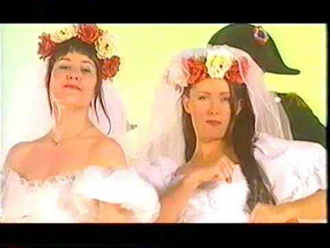 BANANARAMA - Waterloo (OFFICIAL MUSIC VIDEO)